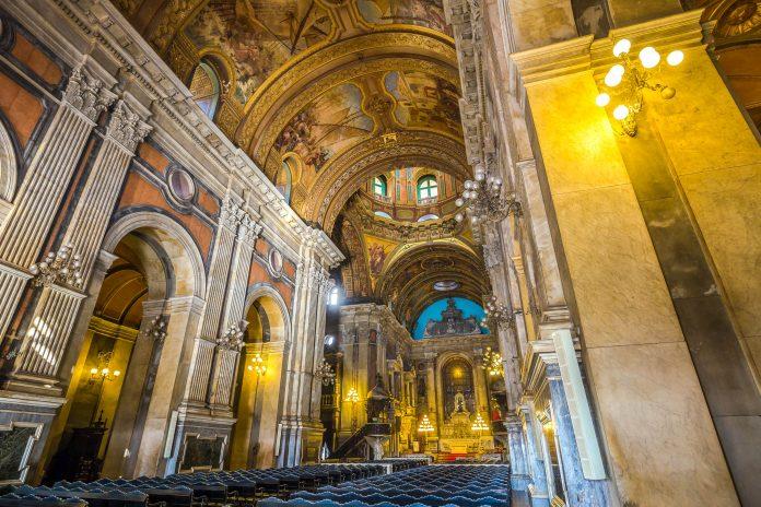 Die Candelária Kirche zählt zu den bedeutendsten Kunstschätzen Brasiliens aus dem 19. Jahrhundert, Brasilien - © f11photo / Shutterstock