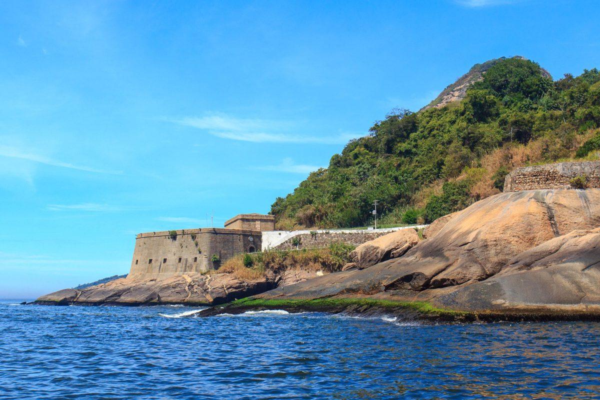 Die Festung São João bei Rio de Janeiro ist für Besucher zugänglich, allerdings nur nach Voranmeldung und im Zuge von geführten Touren, Brasilien - © Iuliia Timofeeva / Shutterstock