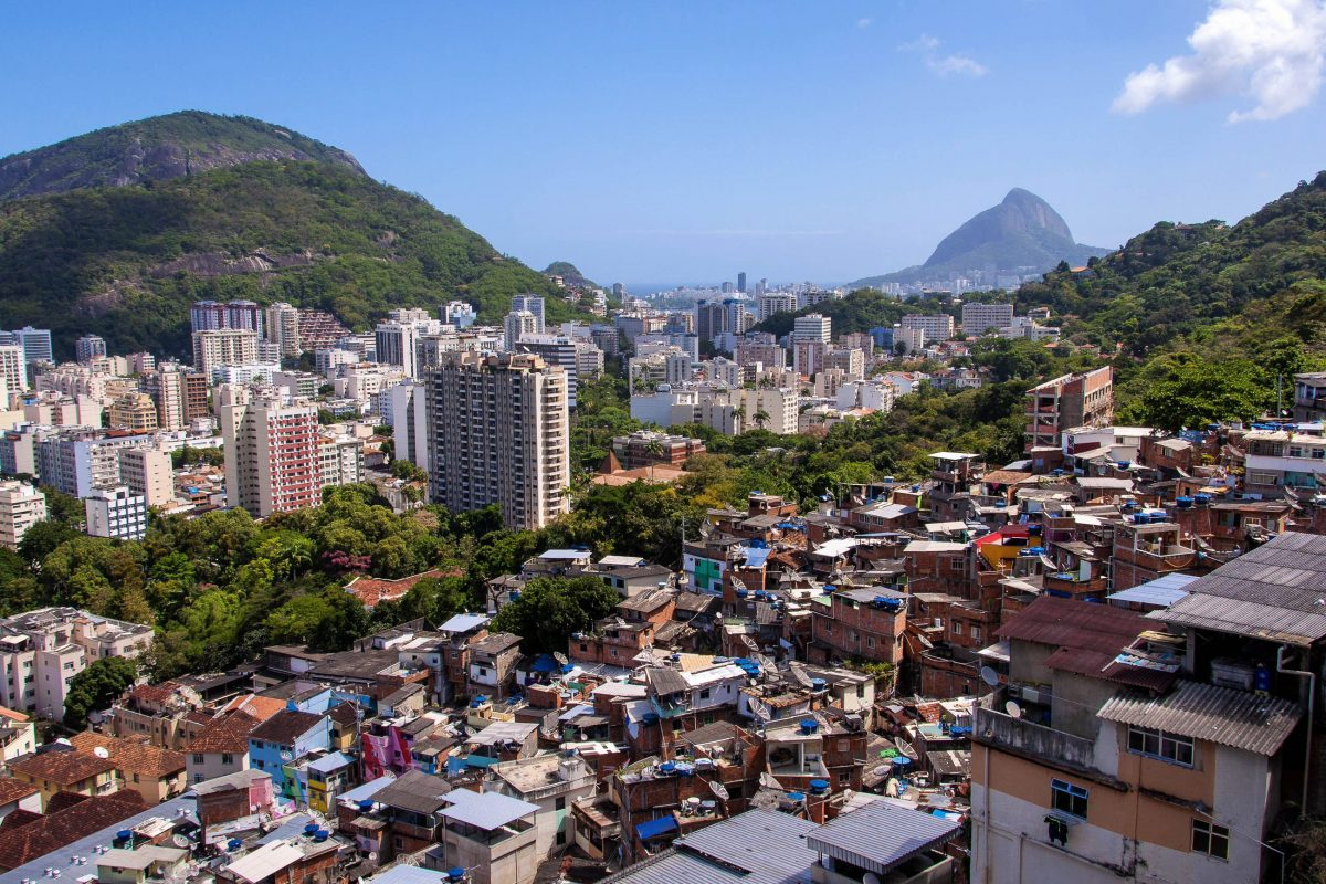 bilder favela santa marta in botafogo rio de janeiro brasilien franks travelbox. Black Bedroom Furniture Sets. Home Design Ideas