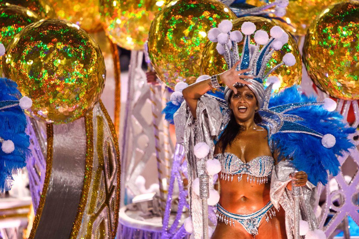 Sambatänzerin beim Karneval im Sambodromo von Rio de Janeiro, Brasilien - © gary yim / Shutterstock