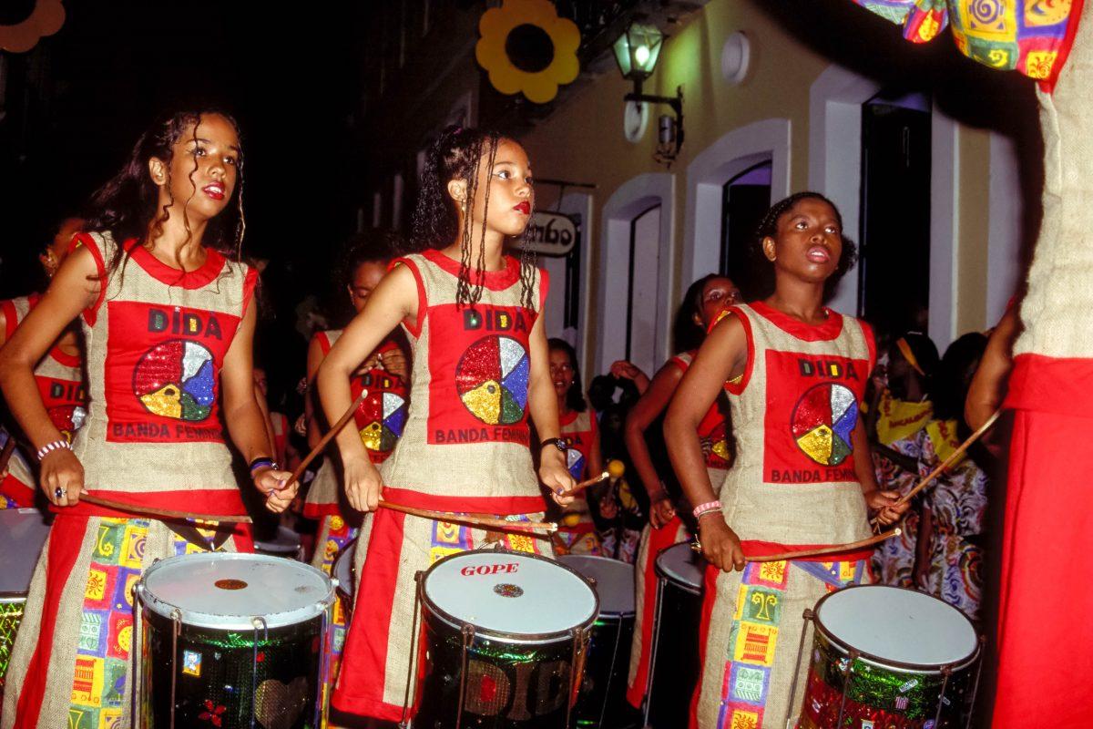 DIe Banda Dida am Karneval in Salvador da Bahia, Brasilien - © MarkVanOvermeire/Shutterstock