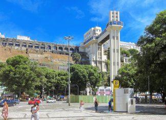 Die Kabinen des Elevador Lacerda in Salvador bewältigen in 30 Sekunden einen Höhenunterschied von 72 Metern, Brasilien - © FRASHO / franks-travelbox