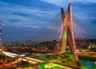 Die Octávio Frias de Oliveira Brücke überspannt den Pinheiros in Sao Paulo, Brasilien - © Celso Diniz / Shutterstock