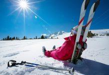 Der Wintersportort Bansko ist bis über Bulgariens Grenzen hinaus bekannt und begeistert mit dem Pirin Nationalpark auch Sommerurlauber - © Lucky Business / Shutterstock
