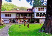 Das Kloster Osenovlag in den Bergen und Wäldern im westlichen Bulgarien ist ein Ort von unglaublicher Ruhe - © FRASHO / franks-travelbox