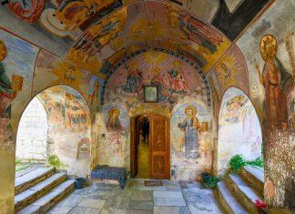 Das rund 1000 Jahre alte Batschkovo-Kloster beeindruckt bis heute durch seine fantastischen Fresken und die größte Wandmalerei Bulgariens - © FRASHO / franks-travelbox