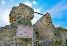 Die mächtige Stadtmauer von Cherven sollte die Bewohner mit Türmen und Bastionen vor neuen Angriffen schützen, Bulgarien - © FRASHO / Kathedrale von Lima