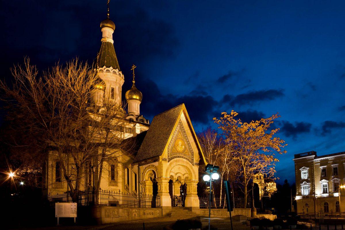 Die Nikolaikirche in Sofia, Bulgarien, wurde Anfang des 20. Jahrhunderts auf Geheiß der russischen Botschaft errichtet - © Kiril Stanchev / Shutterstock