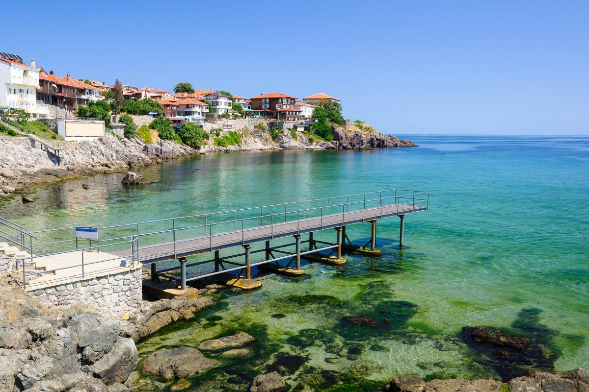 Dier Stadt Sozopol am Schwarzen Meer ist die nächstgelegene Ortschaft des Naturschutzgebietes Ropotamo, Bulgarien - © windu / Fotolia