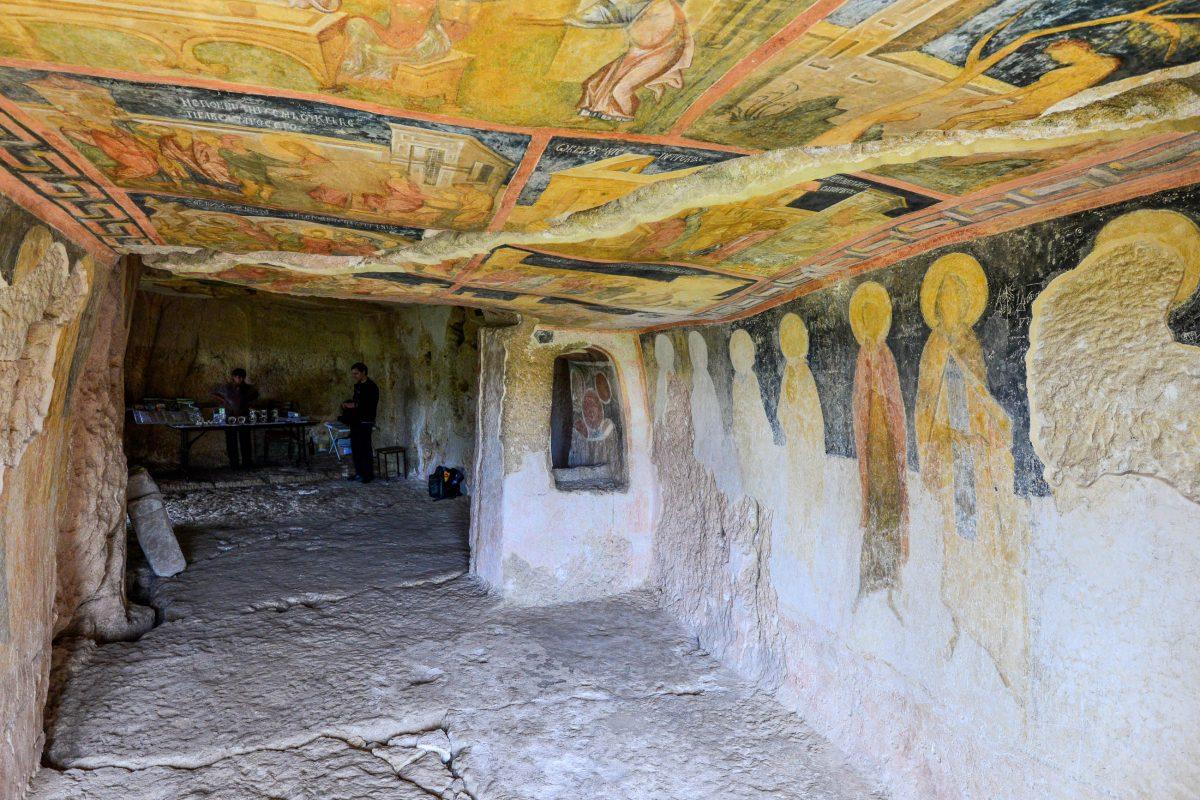 Vor allem die Deckenmalereien sind in der Felsenkirche von Iwanowo bis heute erstaunlich gut erhalten, Bulgarien - © FRASHO / franks-travelbox