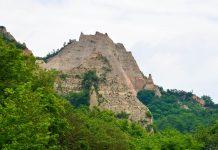 Die Sandpyramiden von Melnik stellen ein wichtiges Touristenziel im Südwesten Bulgariens dar - © FRASHO / franks-travelbox.com