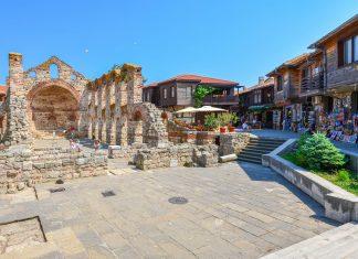 Die Altstadt von Nessebar zählt mit ihren wunderschön restaurierten Kirchen und Häusern zu den wichtigsten Sehenswürdigkeiten von Bulgarien   - © FRASHO / franks-travelbox