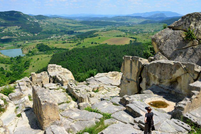 Die Felsenstadt Perperikon war eine der bedeutendsten Kultstätten der Thraker und zählt heute zu den meistbesuchten Orten Bulgariens - © FRASHO / franks-travelbox