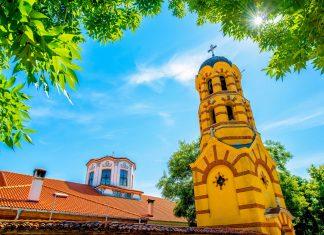 Die Kirche Sweta Nedelja in Plovdiv, Bulgarien, beeindruckt mit ihren herrlichen Wandmalereien - © RossHelen / Shutterstock