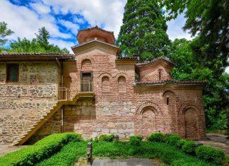 Die von außen schlichte Kirche von Bojana im Süden von Sofia beeindruckt durch ihre fantastischen Fresken, Bulgarien - © FRASHO / franks-travelbox
