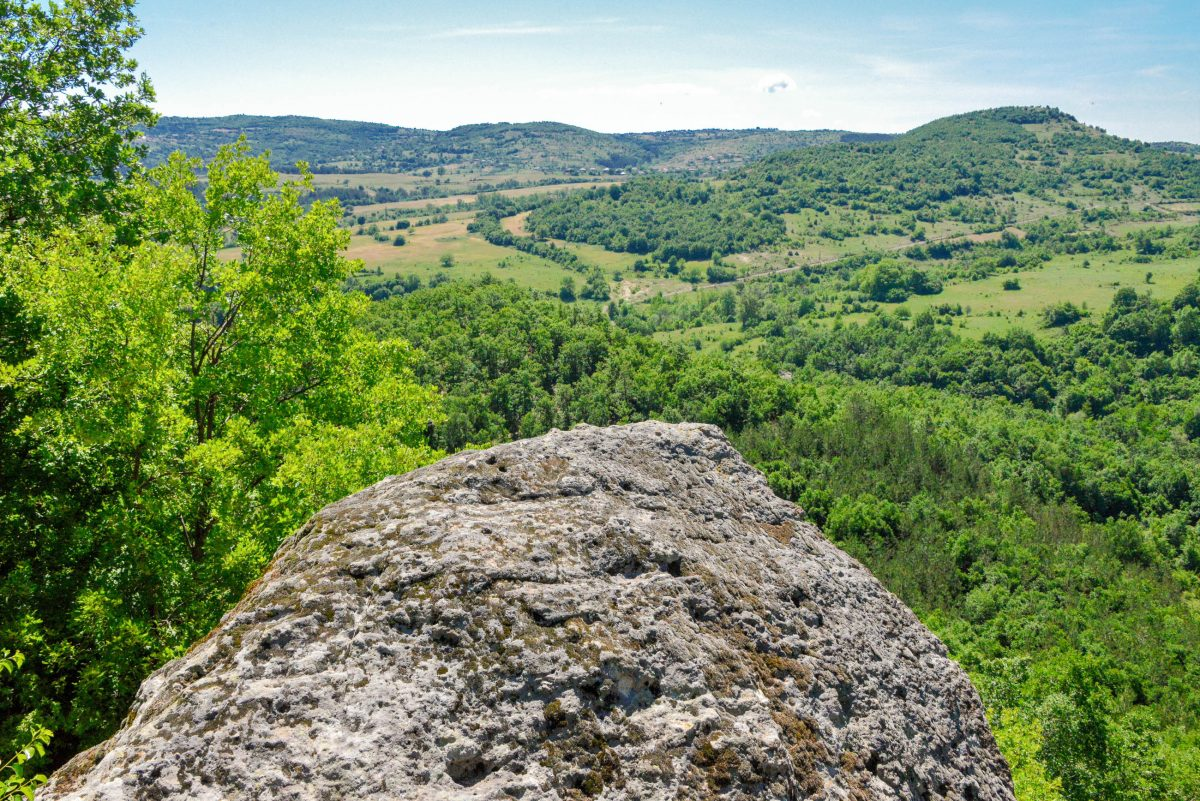 Ebenfalls äußerst sehenswert ist die Aussicht, die sich von der Festung von Tatul über die umliegende Landschaft auftut, Bulgarien - © FRASHO / franks-travelbox