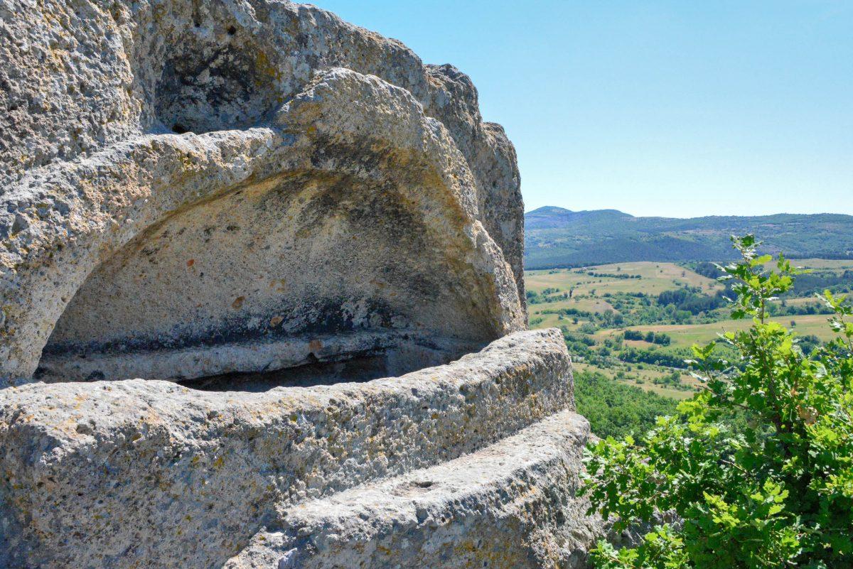 In einer der beiden Grabstätten des Heiligtums von Tatul soll der mythologische Dichter Orpheus begraben liegen, Bulgarien - © FRASHO / franks-travelbox