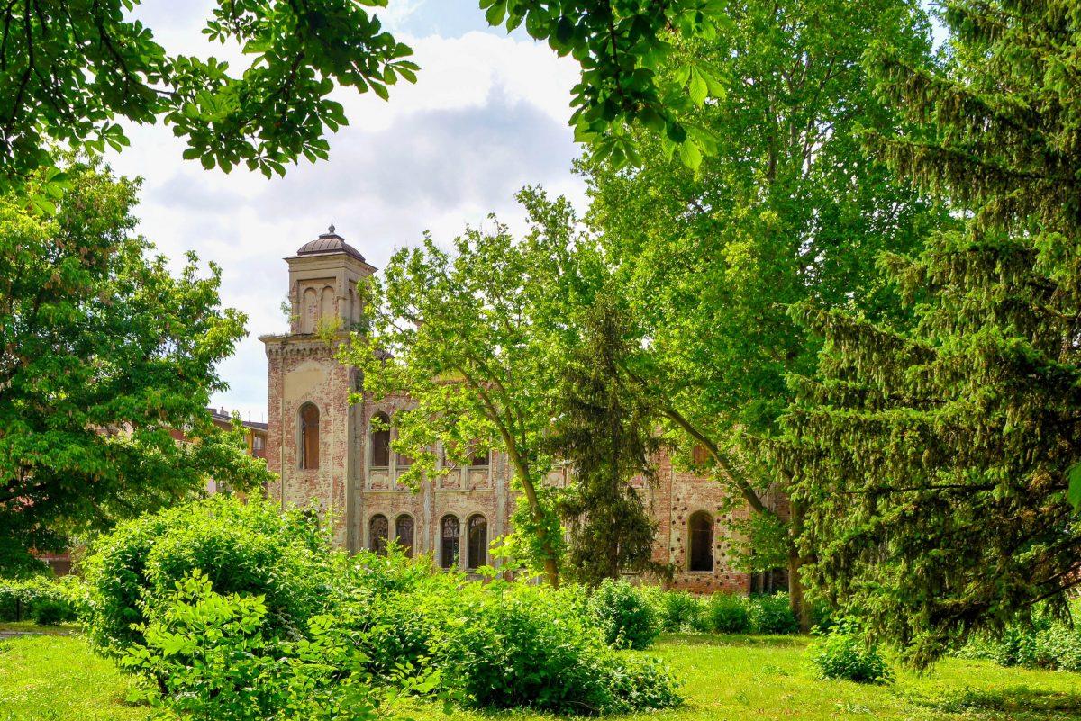 Die einst prächtige Synagoge von Vidin, Bulgarien, ist heute nur mehr eine Ruine, nachdem die Juden 1950 die Stadt verließen und nach Israel ausgewandert sind - © FRASHO / franks-travelbox