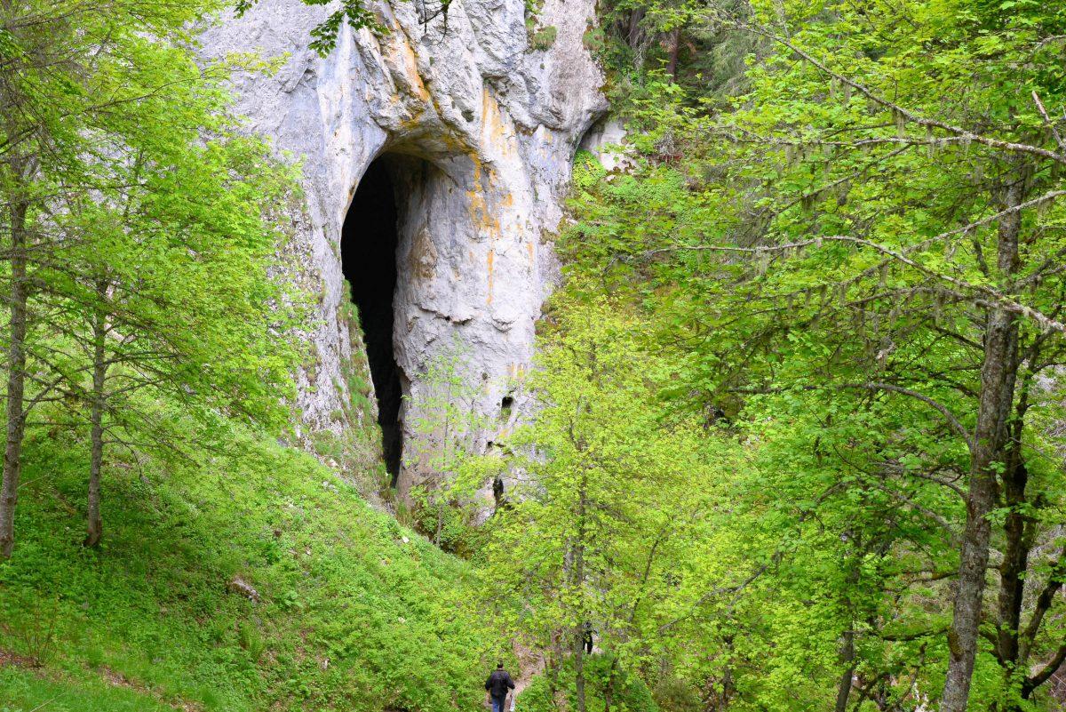 Von drei verschiedenen Aussichtspunkten fällt der Blick in mehreren Perspektiven auf die eindrucksvollen Wunderbrücken von Bulgarien - © FRASHO / franks-travelbox.com