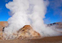 Das Geysirfeld El Tatio ist das höchstliegende Geysirfeld der Welt (ca. 4.300 Meter), Chile  - © med / Fotolia