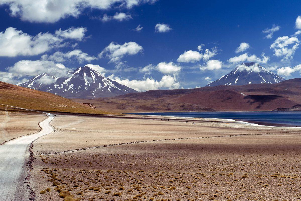 Laguna Miscanti auf ca. 4.300 Höhenmetern in der Region Antofagasta im Norden Chiles - © forcdan / Fotolia