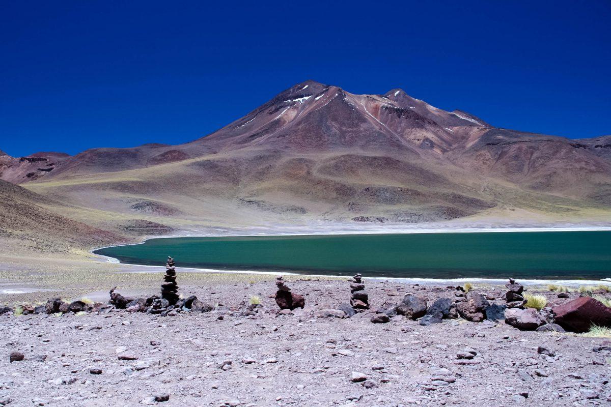 Traumhafter Blick auf die Laguna Miscanti, Chile - © ezk / franks-travelbox