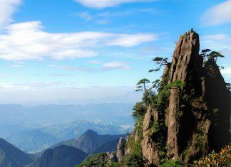 Wunderschöner Blick im Nationalpark Sanqing Shan (Berg Sanqing) in der Provinz Jiangxi im Südosten Chinas am westlichen Ende des Huaiyu-Gebirgszugs - © Micro.lee / Fotolia