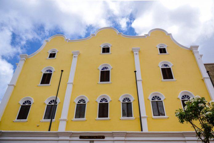 Die Grundsteinlegung der Synagoge Mikve Israel-Emanuel in Willemstad erfolgte im Jahr 1730, sie ist damit die älteste Synagoge der westlichen Hemisphäre, Curaçao - © James Camel / franks-travelbox