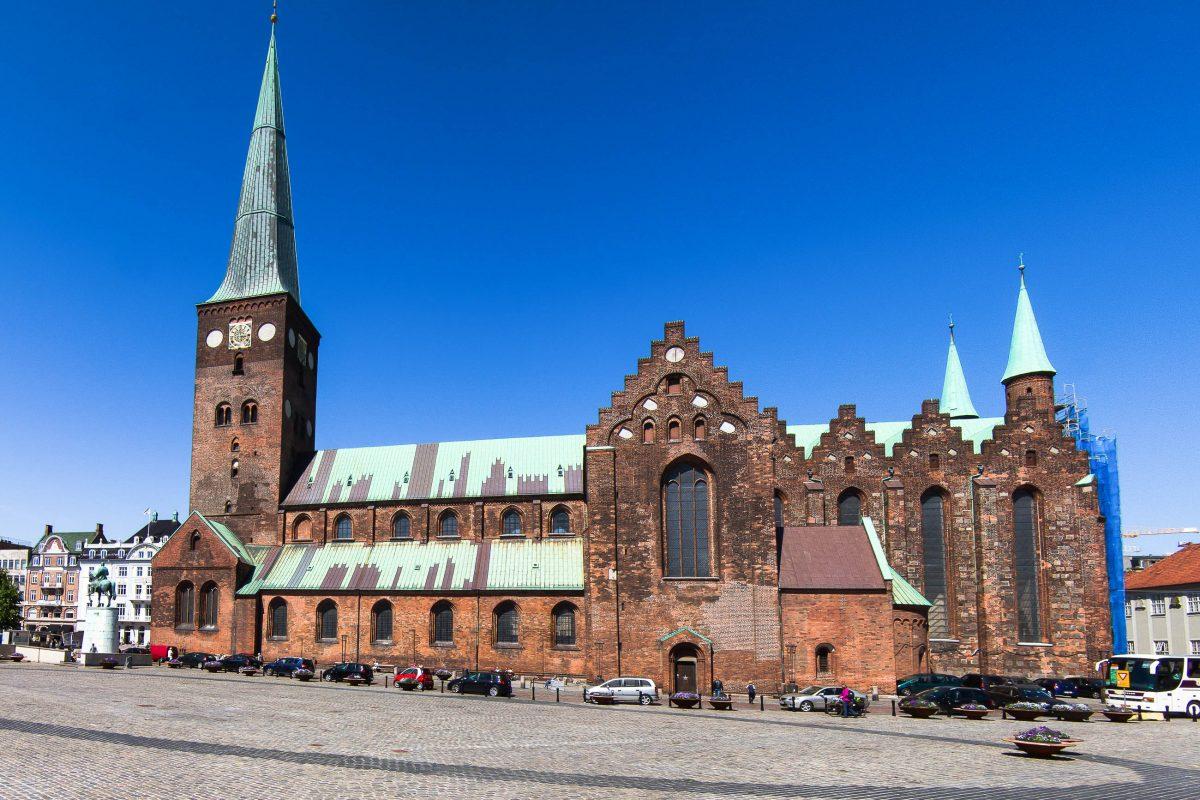 Die St. Clemens-Kirche , auch Dom zu Århus genannt, der größte Sakralbau in der Stadt Aarhus, Dänemark - © Raymond Thill / Fotolia