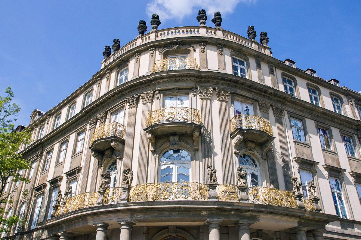 Das Ephraim-Palais am Mühlendamm, ein bedeutender Bürgerpalast aus dem 18. Jahrhundert im Nikolai-Viertel in Berlin, Deutschland - © elxeneize / Fotolia