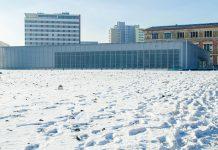 """Die """"Topographie des Terrors"""" im Herzen von Berlin war einst zentrale NS-Schaltstelle und zählt heute zu den meistbesuchten Gedenkstätten Deutschlands - © Anticiclo / Shutterstock"""