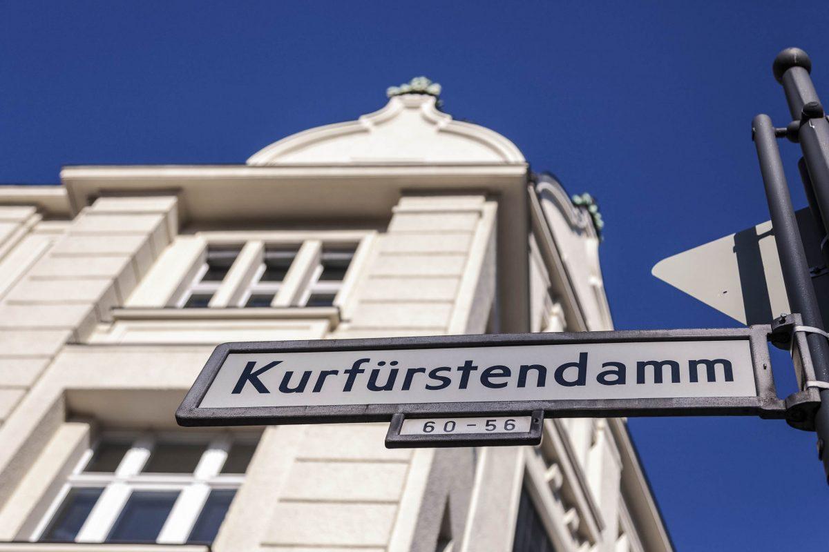 Strassenschild vom Kurfürstendamm in Berlin, Deutschland - © spuno / Fotolia