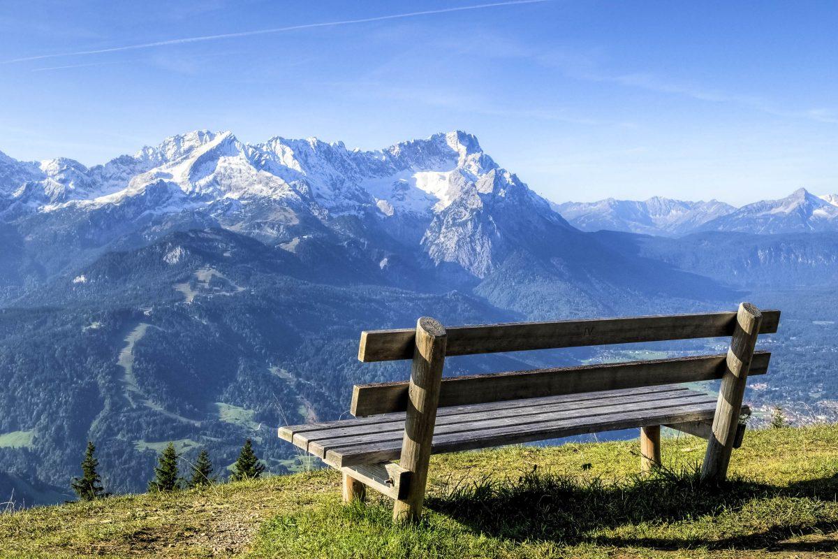 Blick zur Zugspitze, dem höchsten Berg Deutschlands - © Picturenick / Fotolia