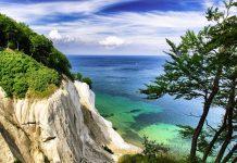 Charakteristische Kreidefelsen auf der Insel Rügen, Deutschland - © olafler / Fotolia