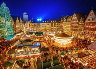 Der Frankfurter Weihnachtsmarkt auf dem Römerberg gehört mit jährlich etwa 3 Millionen Besuchern zu den größten und meistbesuchten Weihnachtsmärkten Deutschlands - © S.Borisov / Shutterstock