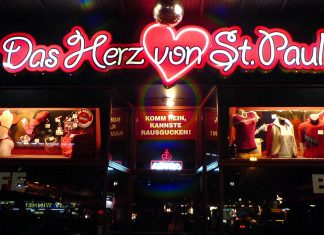 Nightlife in St. Pauli, Reeperbahn, Hamburg - © Chupa / Fotolia