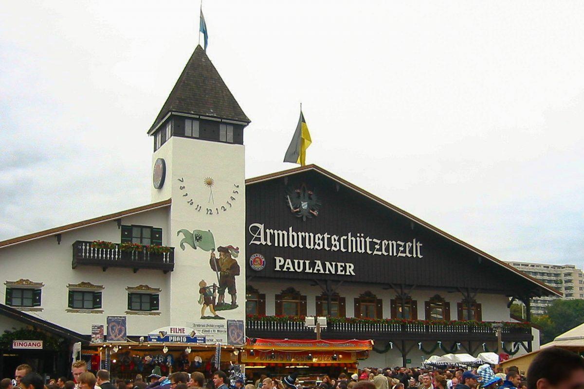 Festzelte am Münchner Oktoberfest, Deutschland | Franks Travelbox