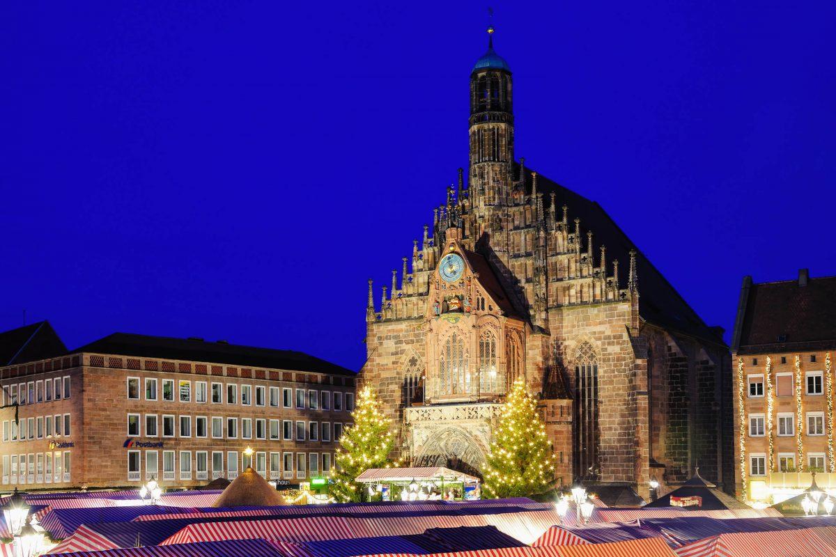 Der Christkindlesmarkt in Nürnberg gehört zweifelsohne zu den berühmtesten Weihnachtsmärkten Deutschlands, wenn nicht sogar der ganzen Welt - © Scirocco340 / Shutterstock