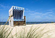 Strandkorb auf der Insel Sylt, der viertgrößten Insel Deutschlands und der größten der Nordfriesischen Inseln - © Alex Hagmann / Fotolia