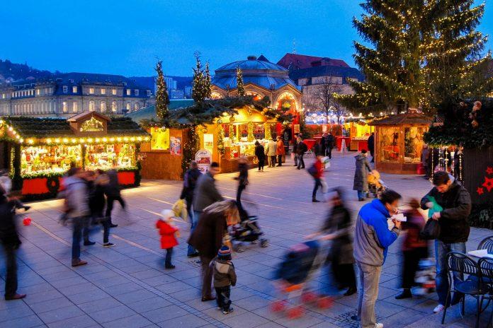 Stuttgart Weihnachtsmarkt.Weihnachtsmarkt In Stuttgart Deutschland Franks Travelbox