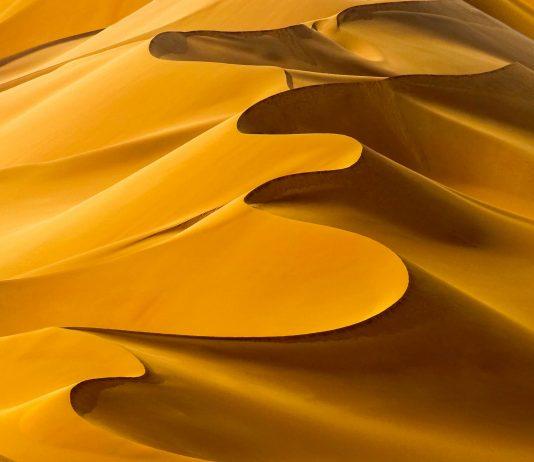 Die endlosen Sanddünen der Sahara sind am besten bekannt, die so genannte Erg macht jedoch nur ein Fünftel der gesamten Wüstenfläche aus - © Denis Burdin / Shutterstock