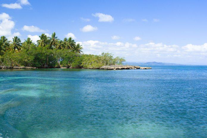 Die Lagune Gri-Gri an der Nordküste der Dominikanischen Republik - © Yory Frenklakh / Shutterstock