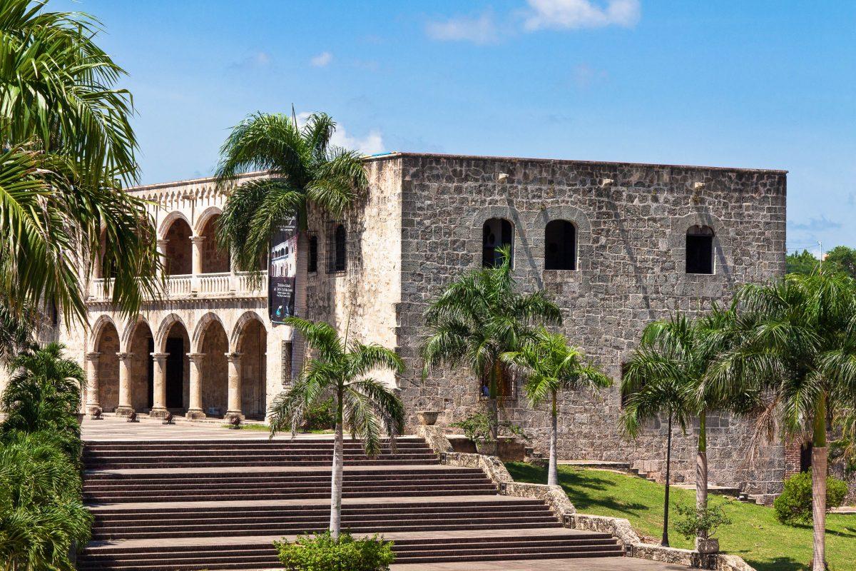 Der Alcázar de Colón, der Palast des ehemaligen Vizekönigs, Santo Domingo, Dominikanische Republik - © hessbeck / Fotolia