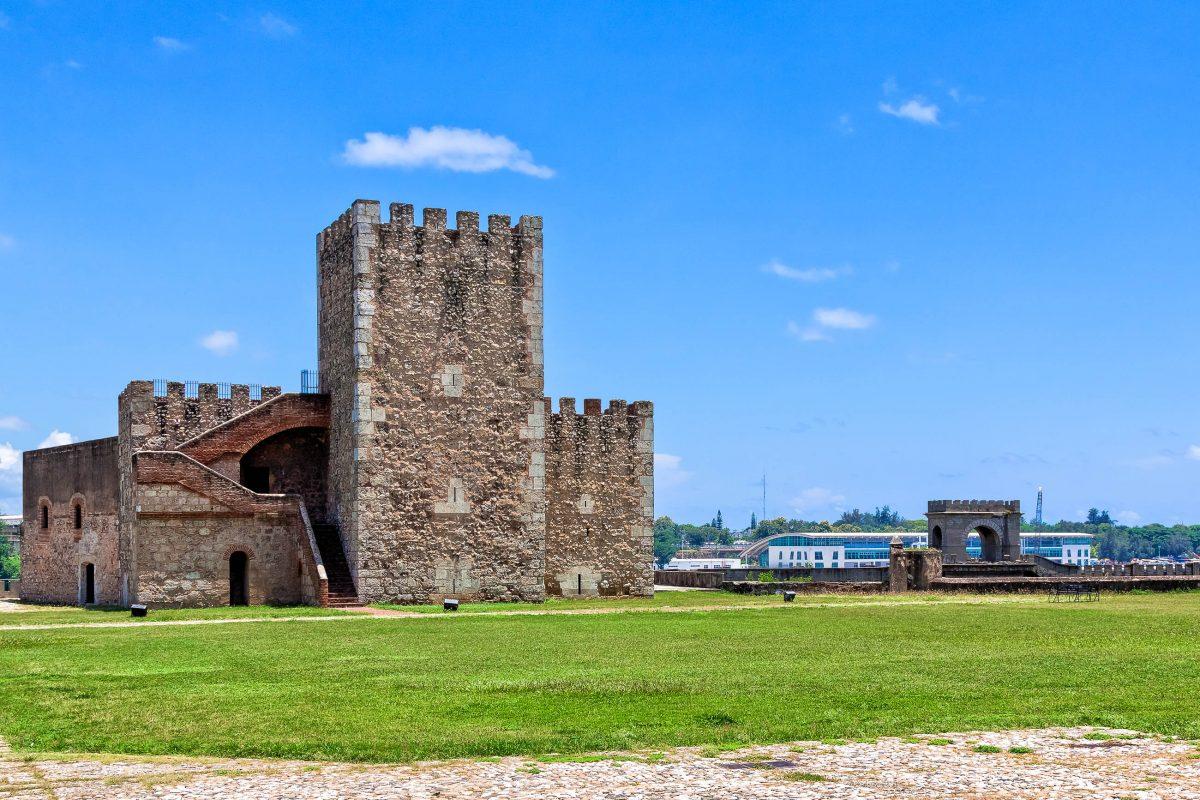 Die Festung Ozama in Santo Domingo, Dominikanische Republik - © hessbeck / Fotolia