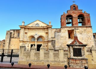 Die Kathedrale von Santo Domingo, Dominikanische Republik, wurde 1540 nach knapp 20 Jahren Bauzeit eingeweiht - © Zoran Karapancev / Shutterstock