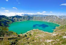 Atemberaubender Blick auf den Kratersee Quilotoa der sich im Krater des gleichnamigen Vulkans in einer Höhe von knapp 4.000 Metern befindet, Ecuador - © Santiago Cornejo / Shutterstock