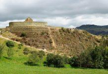 Ingapirca liegt in den südlichen Anden in Ecuador und ist die wichtigste präkolumbianische Ruinenstätte des Landes - © Rafal Cichawa / Shutterstock