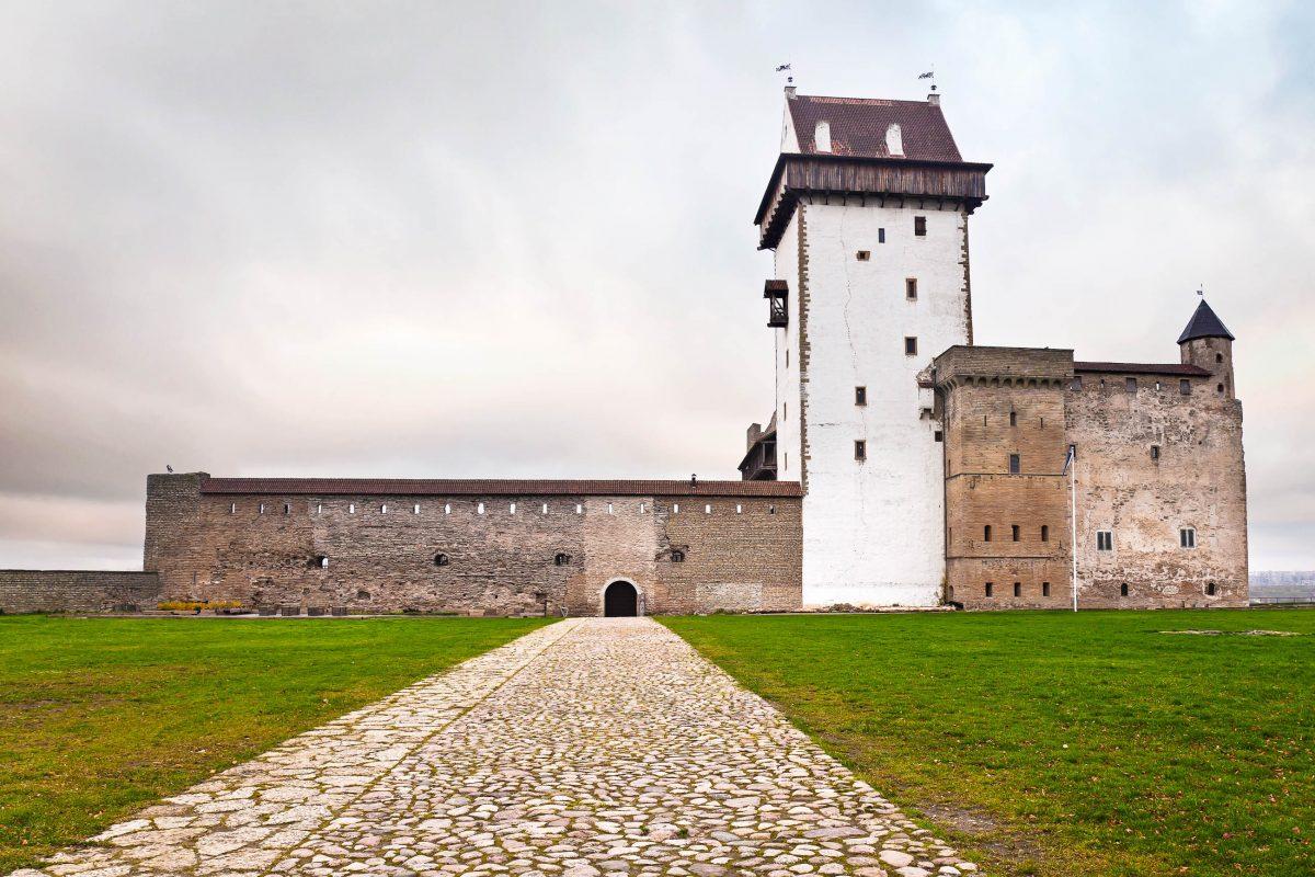 Die Hermannsfeste in Narva, im Westen von Estland - © eugenesergeev / Fotolia