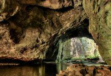 Die Heiligen Höhlen von Naihehe galten für die Ureinwohner Fidschis nicht nur als spiritueller Ort, sondern auch als Versteck vor den einfallenden Eroberern - © Totajla / Shutterstock