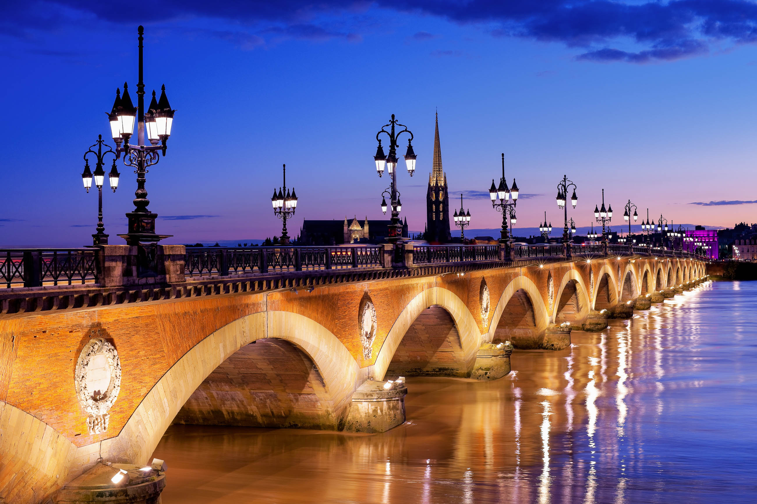 bilder pont de pierre in bordeaux frankreich franks travelbox. Black Bedroom Furniture Sets. Home Design Ideas